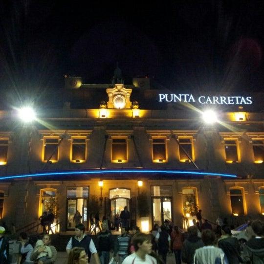 Foto tirada no(a) Punta Carretas Shopping por Thiago R. em 10/21/2012