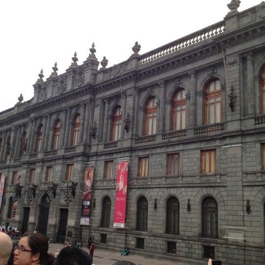 10/13/2012 tarihinde Yanire M.ziyaretçi tarafından Museo Nacional de Arte (MUNAL)'de çekilen fotoğraf