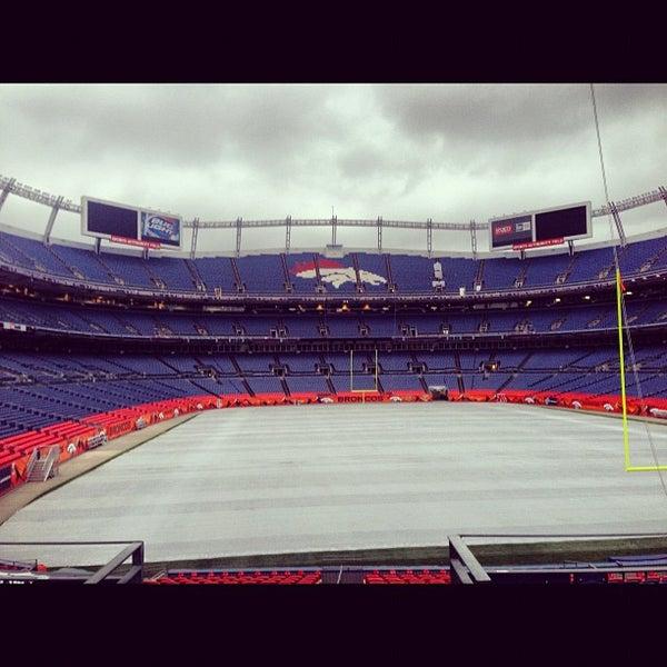 Foto diambil di Broncos Stadium at Mile High oleh Nick B. pada 10/6/2012