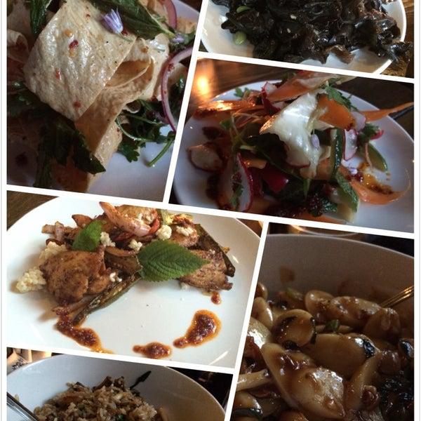 6/7/2014에 Yun Z.님이 Yunnan BBQ에서 찍은 사진