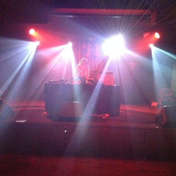 Foto scattata a Rock & Roll Hotel da Andrew S. il 2/15/2014