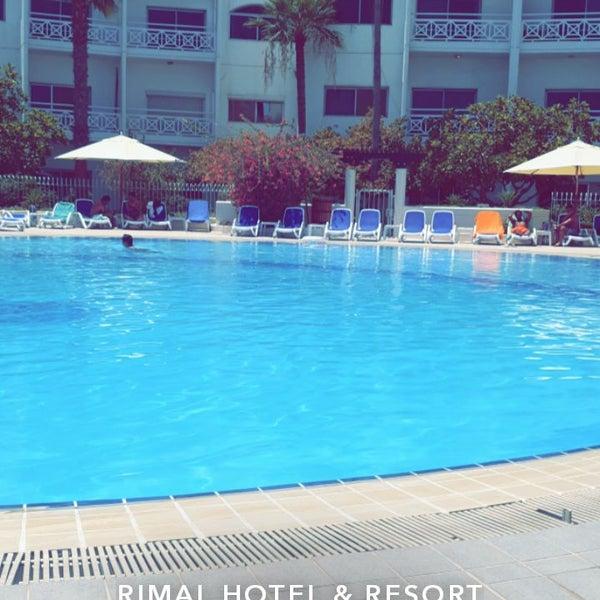 รูปภาพถ่ายที่ Rimal Hotel & Resort โดย Talal A. เมื่อ 8/3/2019