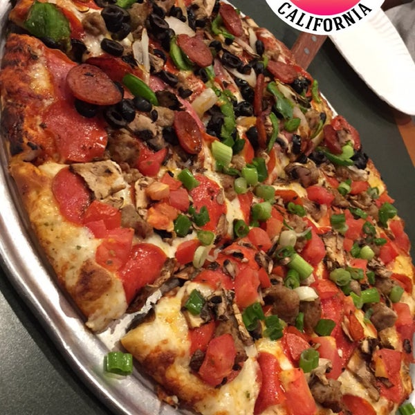 Round Table Pizza In Vallejo.Round Table Pizza American Canyon Photos Table And Pillow