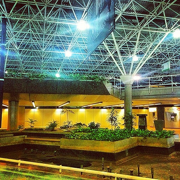 Foto tomada en Aeropuerto Internacional de Brasilia Presidente Juscelino Kubitschek (BSB) por Home b. el 9/13/2013