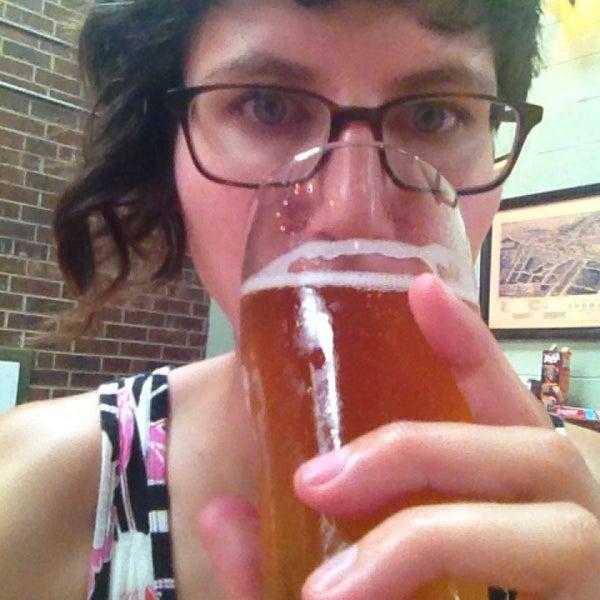 Foto scattata a Fullsteam Brewery da Teresa P. il 7/13/2014