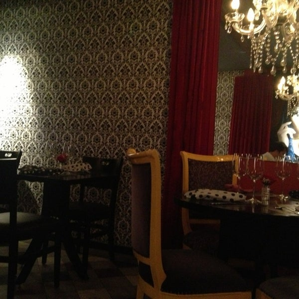 รูปภาพถ่ายที่ Restaurante Almodovar โดย Daniel A. เมื่อ 2/12/2013