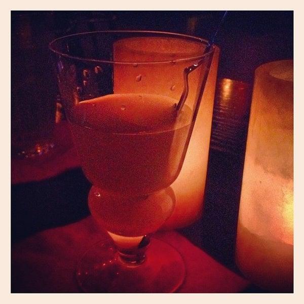 Foto tomada en Seventy7 Lounge por Paulette E. el 9/23/2012