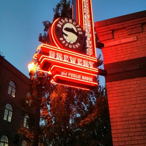 Foto scattata a Deschutes Brewery Portland Public House da Konstantin A. il 10/20/2013