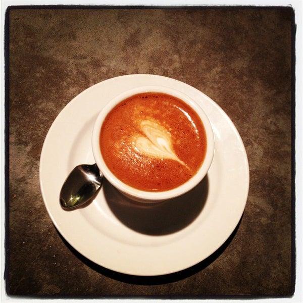 Das Foto wurde bei Coffee Foundry von @HungryEditor B. am 10/3/2013 aufgenommen