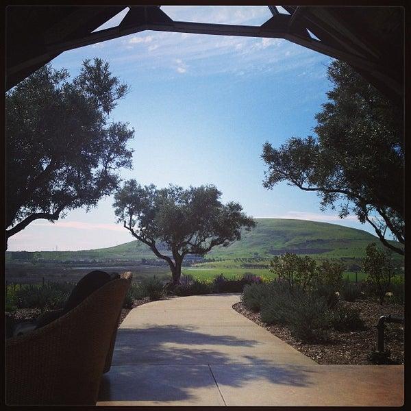 รูปภาพถ่ายที่ Ram's Gate Winery โดย James T. เมื่อ 3/3/2013
