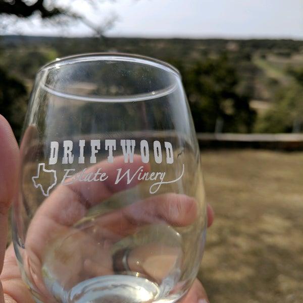 Foto diambil di Driftwood Estate Winery oleh Zack M. pada 2/7/2017
