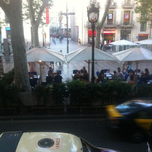 Foto diambil di Hotel Arc La Rambla oleh Terenteva N. pada 7/15/2013