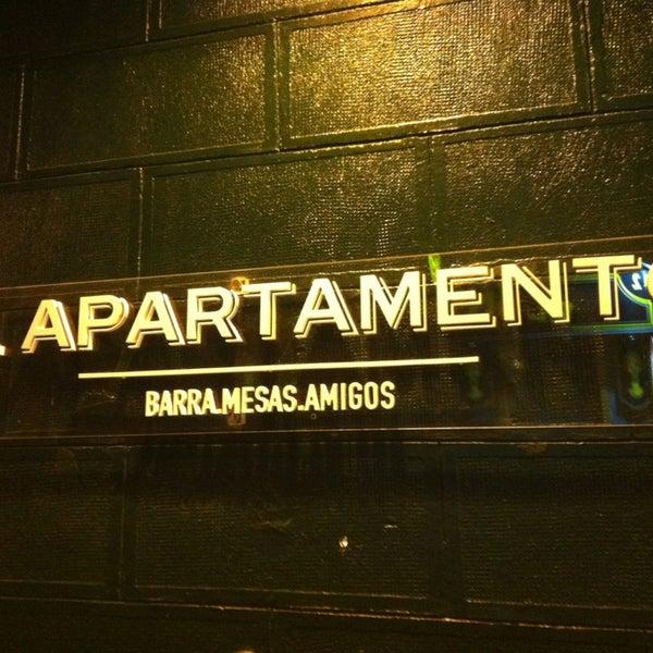 8/2/2013 tarihinde Oscar L.ziyaretçi tarafından El Apartamento'de çekilen fotoğraf