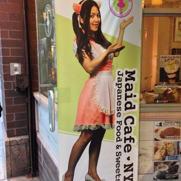 12/21/2014 tarihinde Keely C.ziyaretçi tarafından Maid Cafe NY'de çekilen fotoğraf