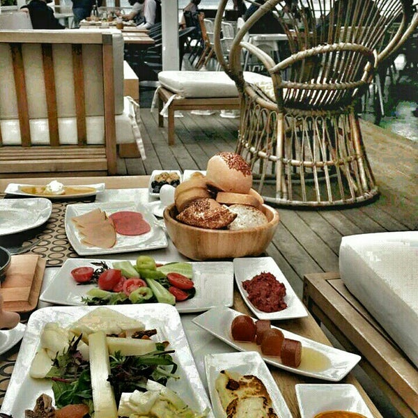 Foto tomada en Boon Cafe & Restaurant por Evren R. el 5/4/2016