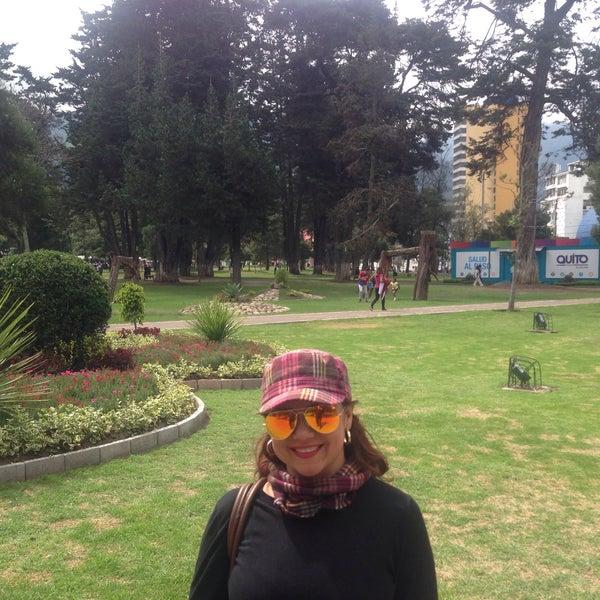 Foto diambil di Parque El Ejido oleh Maria Rossana H. pada 3/12/2016