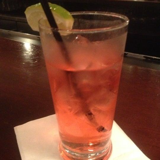Das Foto wurde bei Beacon Restaurant & Bar von Zsola am 11/4/2012 aufgenommen