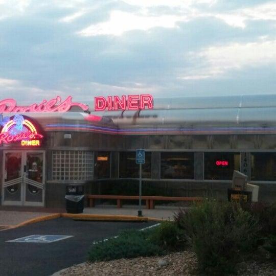 Foto tirada no(a) Rosie's Diner por Meagan W. em 6/30/2016