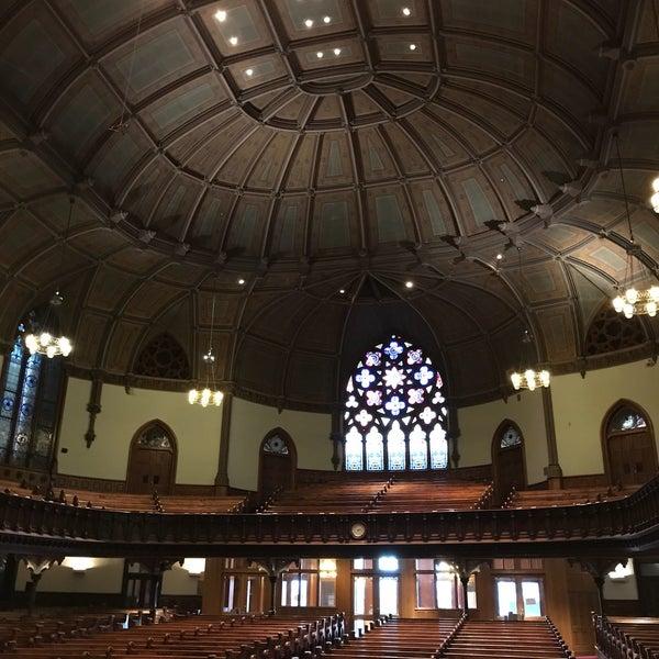 Foto diambil di Fifth Avenue Presbyterian Church oleh 🍓Anastasia🍓 pada 4/26/2018