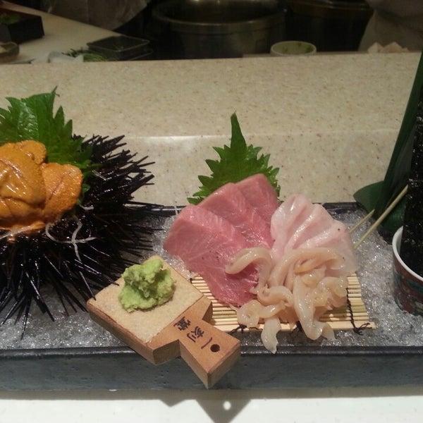 Photo prise au Sushi Zen par Dave B. le7/25/2013