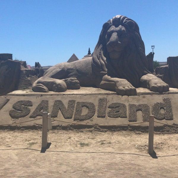 Foto scattata a Sandland da Yasemin F. il 8/14/2018