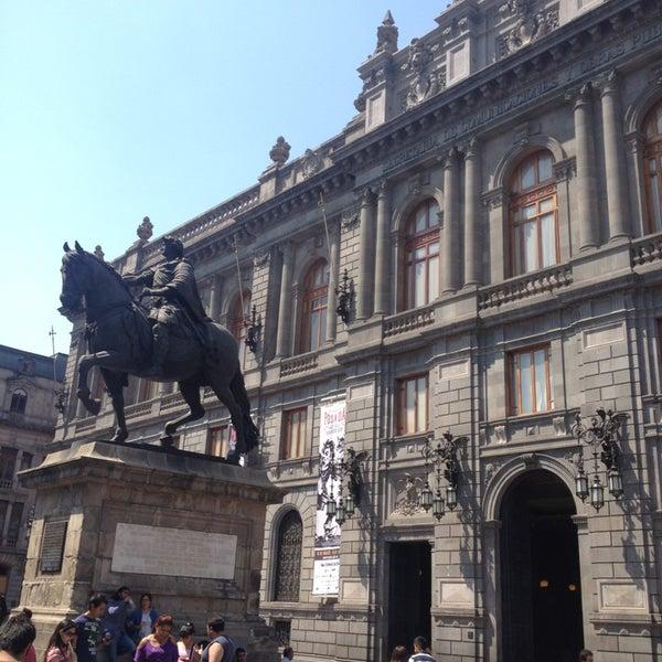 3/24/2013 tarihinde Antonio G.ziyaretçi tarafından Museo Nacional de Arte (MUNAL)'de çekilen fotoğraf