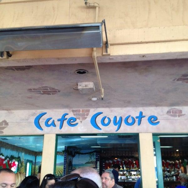 รูปภาพถ่ายที่ Cafe Coyote โดย @Jose_MannyLA เมื่อ 1/5/2014