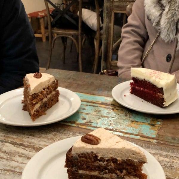 Foto diambil di Spice Café oleh Nouf pada 1/15/2020