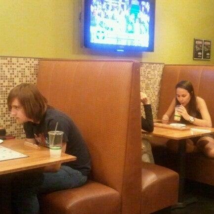 Foto tirada no(a) specialTEA Lounge & Cafe por Victor S. em 1/20/2013