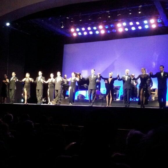 Foto diambil di Teatro Nescafé de las Artes oleh Michael Max R. pada 6/24/2013