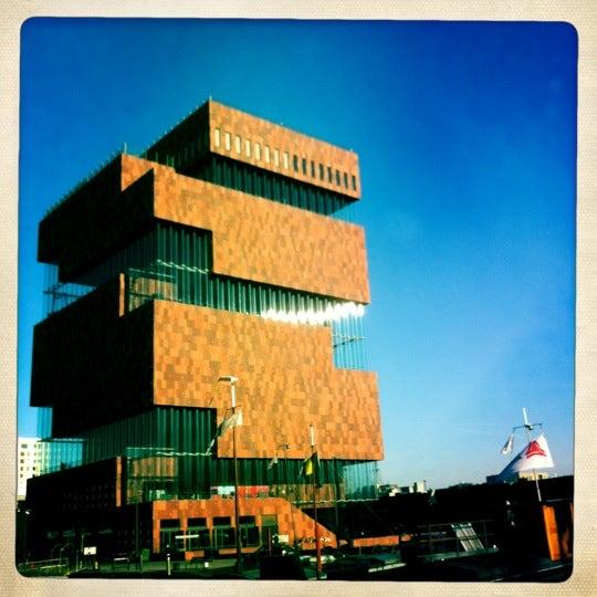 Foto tirada no(a) MAS | Museum aan de Stroom por Josse P. em 12/8/2012