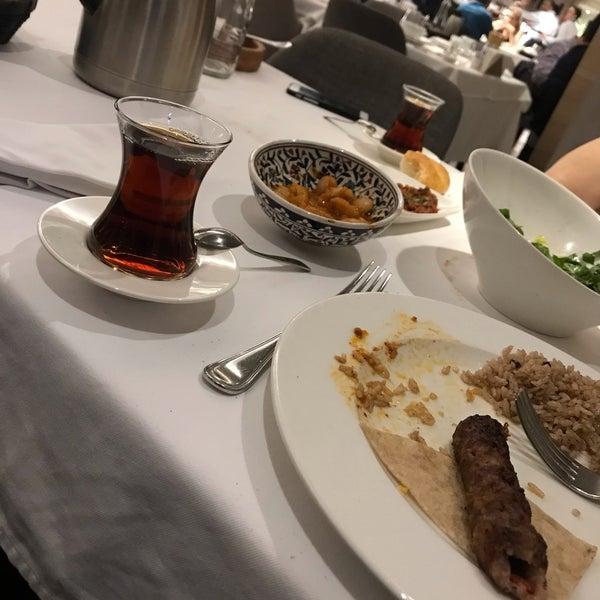 Das Foto wurde bei Seraf Restaurant von Zafer I. am 5/8/2019 aufgenommen