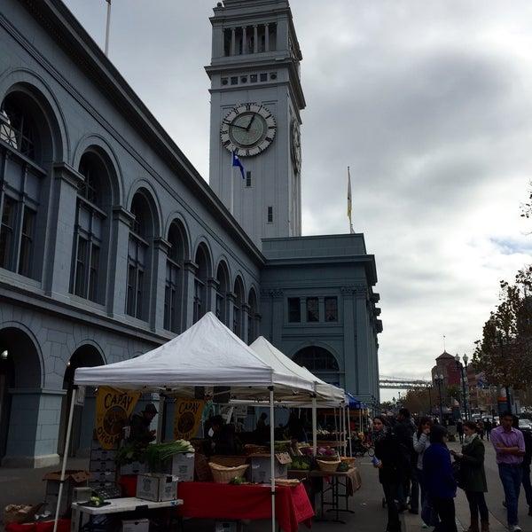 Снимок сделан в Ferry Plaza Farmers Market пользователем Daniella R. 12/19/2015