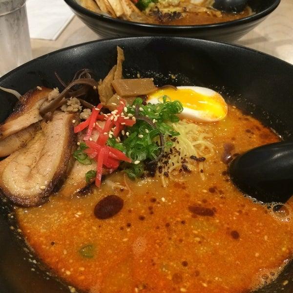 Foto tirada no(a) Chibiscus Asian Cafe & Restaurant por Tina V. em 11/20/2014