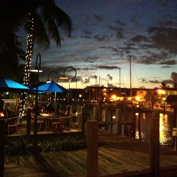 Photo prise au Bimini Boatyard Bar & Grill par Amy T. le9/10/2013
