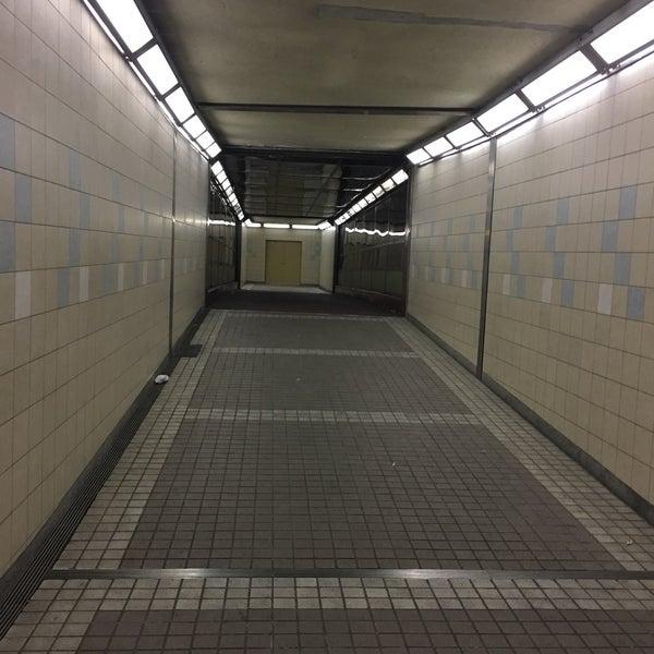 Photos at 飯倉片町 地下横断歩...