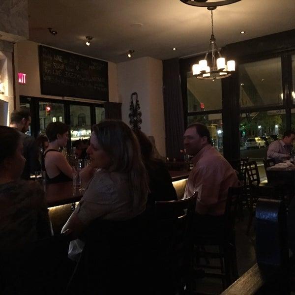 5/7/2015にRussがThe Tangled Vine Wine Bar & Kitchenで撮った写真