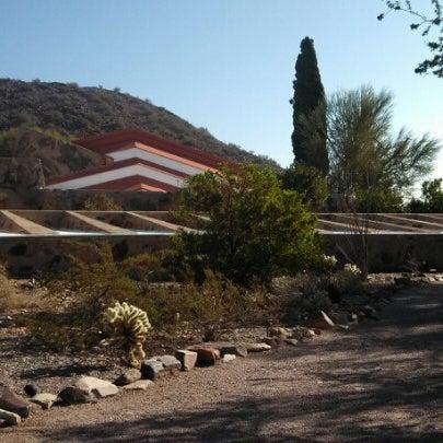 รูปภาพถ่ายที่ Taliesin West โดย Rebecca S. เมื่อ 12/24/2012
