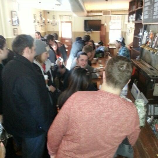 รูปภาพถ่ายที่ The West—Coffeehouse & Bar โดย thewhiskeythief เมื่อ 1/27/2013