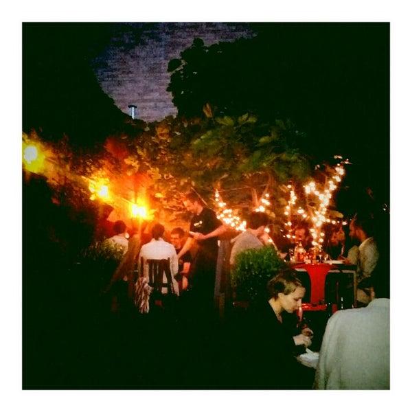 Foto tomada en OAK Restaurant & Wine Bar por Justin S. el 6/3/2012
