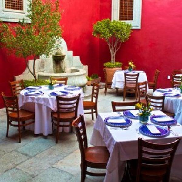 Foto tomada en Catedral Restaurante & Bar por CARLOS D. el 10/7/2013