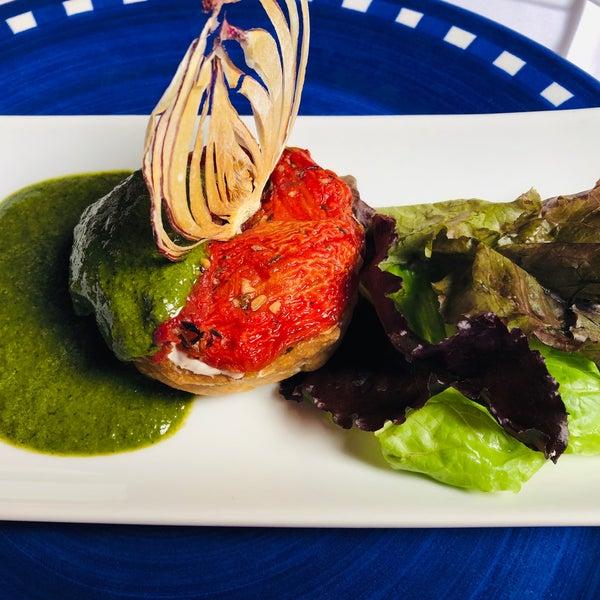 Foto tomada en Catedral Restaurante & Bar por CARLOS D. el 12/4/2018