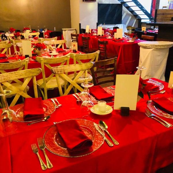 Foto tomada en Catedral Restaurante & Bar por CARLOS D. el 12/25/2018