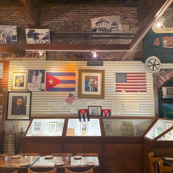 รูปภาพถ่ายที่ El Meson de Pepe Restaurant & Bar โดย Don Dhi🇺🇸🇧🇴🇬🇧🇳🇱🇩🇪🇵🇸🇵🇱🇵🇹🇪🇸🇺🇦 B. เมื่อ 10/31/2019