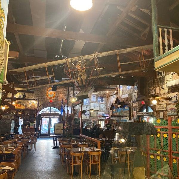 Foto diambil di El Meson de Pepe Restaurant & Bar oleh Don Dhi🇺🇸🇧🇴🇬🇧🇳🇱🇩🇪🇵🇸🇵🇱🇵🇹🇪🇸🇺🇦 B. pada 10/31/2019