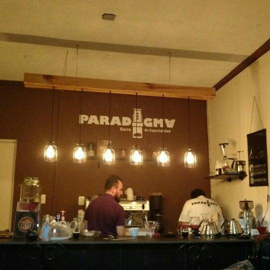 รูปภาพถ่ายที่ Paradigma โดย Daniel R. เมื่อ 4/6/2016