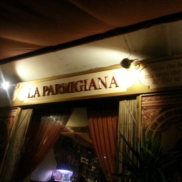 รูปภาพถ่ายที่ La Parmigiana โดย Konstantin K. เมื่อ 9/21/2013