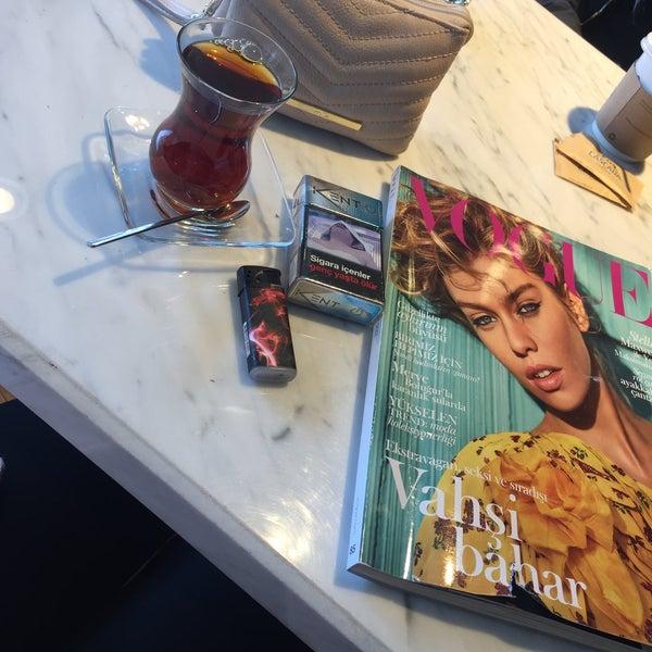 Das Foto wurde bei Cascada Coffee von Ayşegül am 3/18/2017 aufgenommen