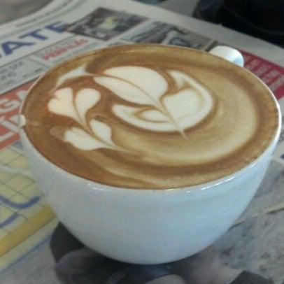 Foto tomada en Rico's Café Zona Dorada por Javier V. el 6/24/2012