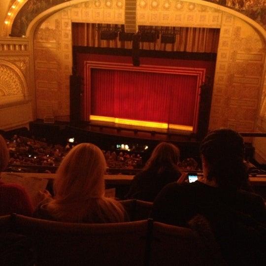 11/15/2012 tarihinde Andrea M.ziyaretçi tarafından Auditorium Theatre'de çekilen fotoğraf